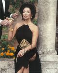 Joan Collins TV FILM HOLLYWOOD 10 x 8 Genuine signed Autograph 10763